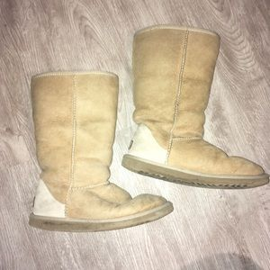 Shoes - Sand tall uggs